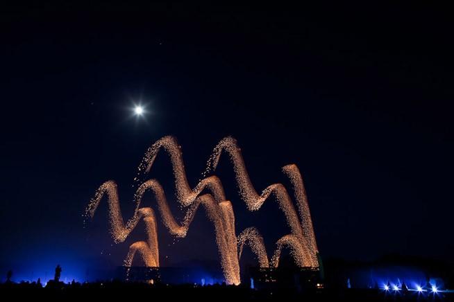 Feuerwerk Hannover 2011: Schweden, der Effekt nennt sich steigende Krone