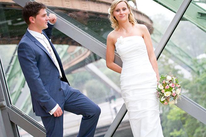 Hochzeitsfotos in der Schwebebahnstation Ohlighsmühle