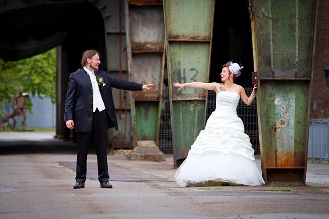 Hochzeitsfotos mit Industrie-Kulisse