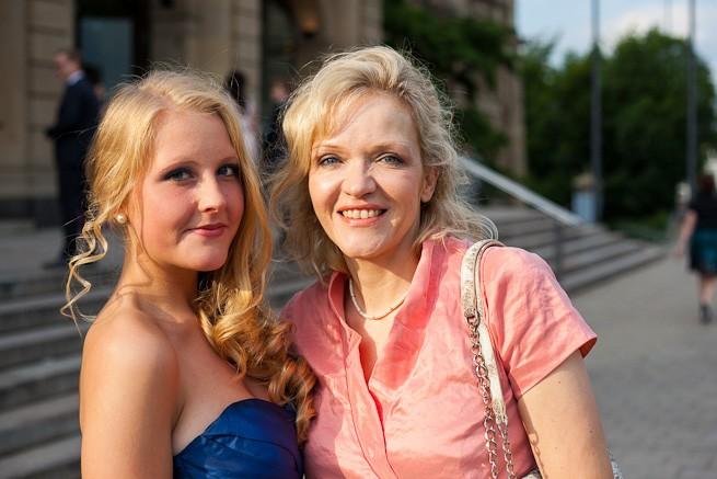 Portraitfotos vor der Stadthalle in Wuppertal