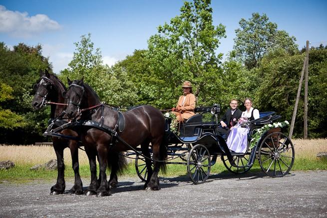 Hochzeitskutsche in der Nähe von Schloss Burg