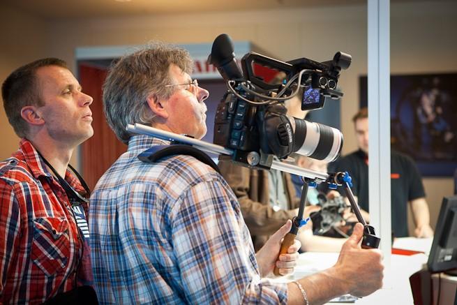 neue Canon Filmkamera c300 für schlappe 16.000€ + Objektiv, Rig etc.
