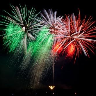 Farben von Mexiko im Feuerwerk von Pirotecnia Reyes