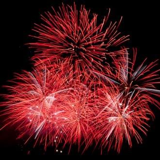 Feuerwerksbild ganz in rot
