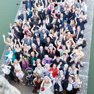 großes Gruppenfoto aus dem Schloss fotografiert