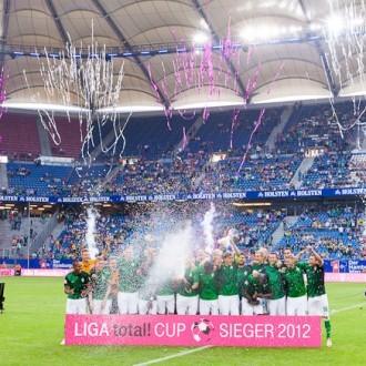 Siegerehrung beim Liga Total Cup 2012 in Hamburg