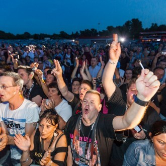 Fans beim Wendler Konzert im Autokino Essen