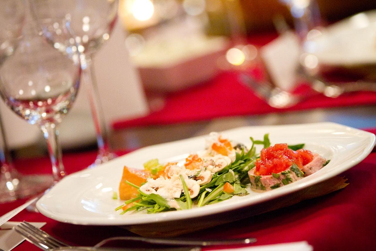 Hochzeitslocations: Bootshaus Wuppertal - Salat