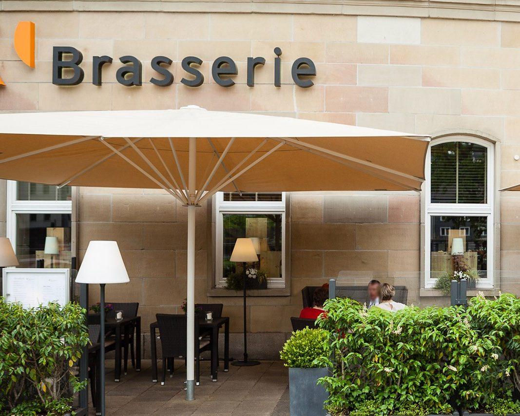 Hochzeitslocations: brasserie wuppertal außenbereich