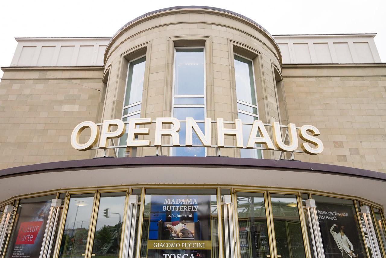 Hochzeitslocations: opernhaus wuppertal außen