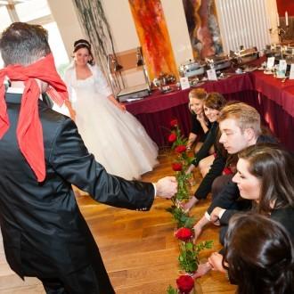 Hochzeitsspiel mit Rosen