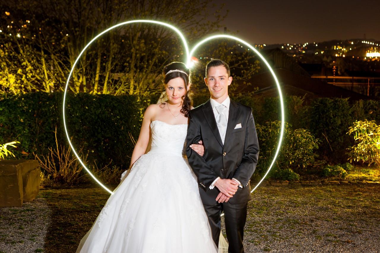 modernes Hochzeitsfoto mit Langzeitbelichtung
