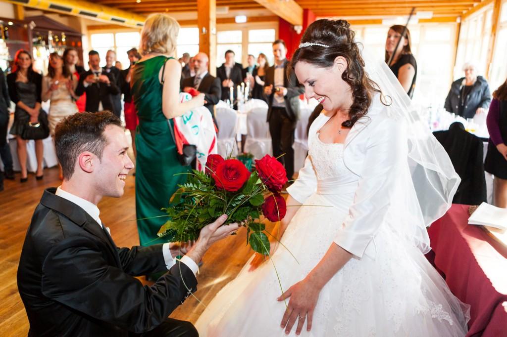 Brautpaar nach dem Rosensammeln