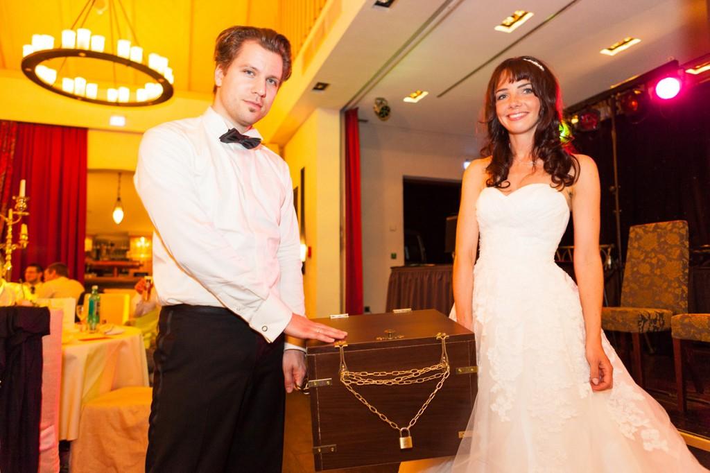 Hochzeitstruhe
