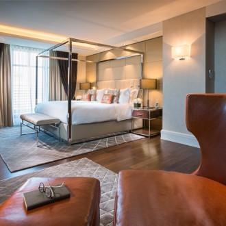 Foto einer Suite im Breidenbacher Hof