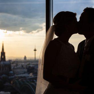 KölnSky Domblick Brautpaar Hochzeit