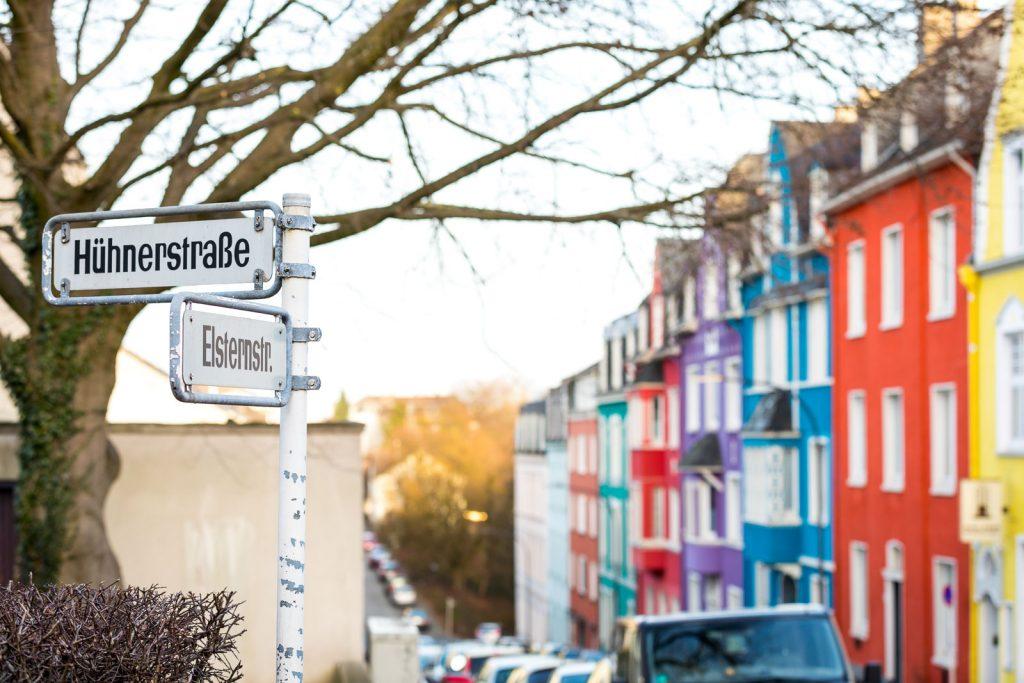Elsternstraße in Wuppertal mit bunten Häusern