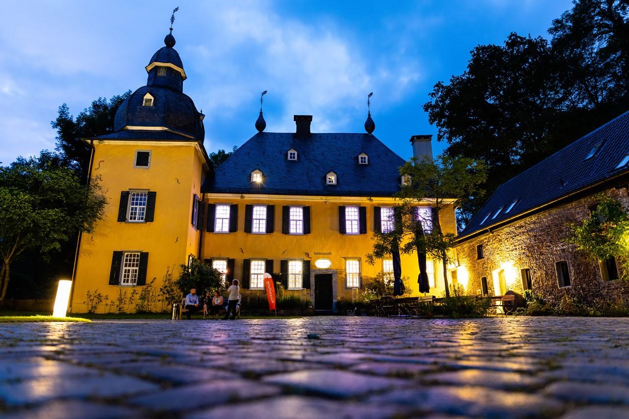 Schloss Lüntenbeck bei Nacht